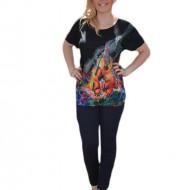 Tricou deosebit cu imprimeu colorat pe fond negru aplicat in fata