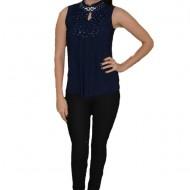 Bluza bleumarin cu volanase in fata, model elegant fara maneci