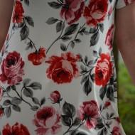 Bluza moderna de vara, alba cu design de trandafiri, masura mare