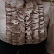 Camasa tip corset, nuanta de negru-crem, cu maneca lunga