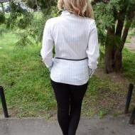 Camasi cu maneca lunga, albe, cu guler rusesc fronsat