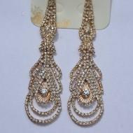 Cercei lungi tip candelabru cu cristale mici in fond auriu
