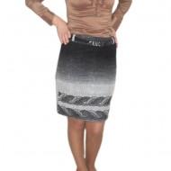 Fusta eleganta, negru combinat cu alb, cu design lucios in fata