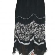Fusta rafinata, negru-alb, cu aplicatii de dantela si design floral