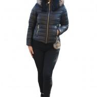 Jacheta casual Loren matlasata cu reflexii si gluga ,nuanta de negru
