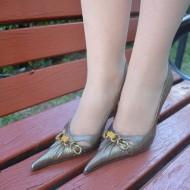 Pantof cu toc inalt, din piele naturala, de culoare auriu