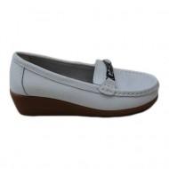 Pantof din piele naturala, de calitate si comod, de culoare alba