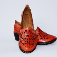 Pantof rosu cu perforati si talpa ortopedoca