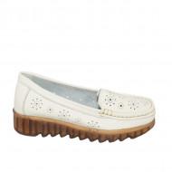 Pantofi perforati cu model si talpa deosebita,bej