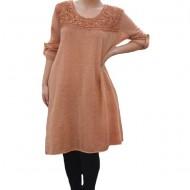 Rochie casual Leylla din tricot cu insertii de broderie ,nuanta de maro