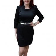 Rochie de zi scurta, de culoare neagra, prevazuta cu decolteu mic