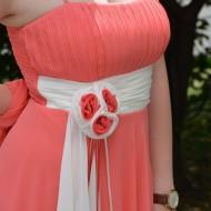 Rochie delicata din voal, de culoare corai-alb