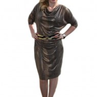 Rochie rafinata, de culoare maro auriu cu centura elastica