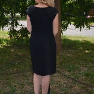 Rochie scurta, de culoare neagra, cu insertii de margele sidefate