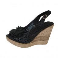 Sandale casual, din piele naturala perforata, cu floare