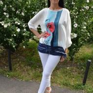 Bluza moderna, tinereasca, alba cu model floral rosu-bleumarin