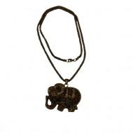 Colier in tendinte,model simplu cu pandantiv in mare forma de elefant,auriu