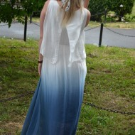 Palarie fashion in nuanta de alb imaculat cu panglica colorata