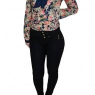Pantalon usor elastic, nuanta de negru, curelusa aurie