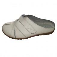 Papuc inchis in fata, din piele naturala, cu design format din cusaturi