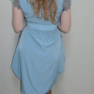 Rochie albastra cu decolteu in V, maneci de dantela, fermoar