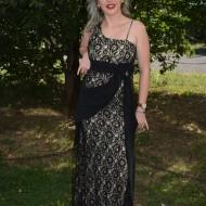 Rochie de seara lunga, eleganta, din dantela neagra pe fond crem