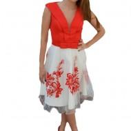 Rochie deosebit de eleganta culoare alb-rosu cu broderie