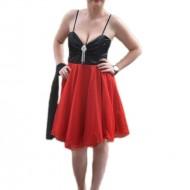 Rochie eleganta, cu bust negru satinat si fusta rosie evazata din tul