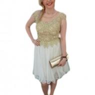 Rochie eleganta de culoare alba, decorata cu dantela si perle