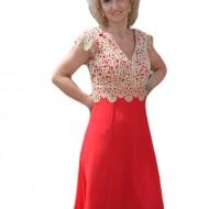 Rochie eleganta din voal rosu si dantela aurie, lungime medie