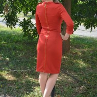 Rochie tinereasca, moderna, de culoare rosie, cu decupaje