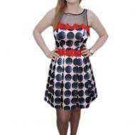 Rochie tinereasca, nuanta de negru-rosu, evazata