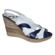 Sanda tinereasca cu platforma, bicolora, nuante alb-bleumarin