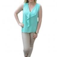 Bluza turcoaz, cu design de rever in fata si dantela in spate
