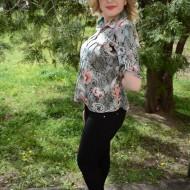 Bluze cu maneca scurta, cu imprimeu floral in diferite nuante