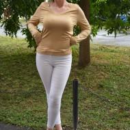 Bluze tineresti cu maneca lunga, design aparte, reducere fenomenala