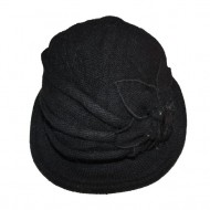 Caciula fashion, tip palarie, nuanta de negru