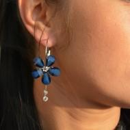 Cercei cu petale florale si strasuri argintii, nuante de rosu, albastru, bleumarin, negru