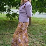 Costum elegant , in nuante mov-bej, sacou din saten