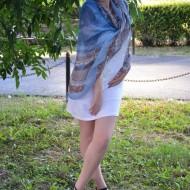 Esarfa in tendinte nuanta albastra cu design de dungi colorate