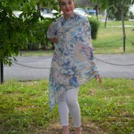 Esarfa trendy design floral multicolor nuante roz-albastru-galben