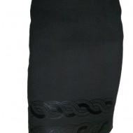 Fusta deosebita, dreapta, din material gros in nuanta de negru
