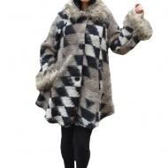 Jacheta moderna Lilia din lana,imprimeu cu romburi ,nuanta de alb-maro-negru