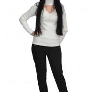 Pantalon casual accesorizata cu nasturi vintaje ,nuanta de negru