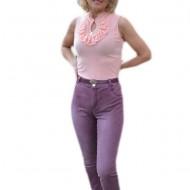 Pantalon lung in nuanta de mov, cu talie medie cu curea