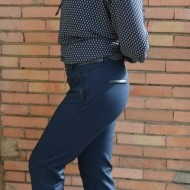 Pantalon modern, bleumarin, masura mare, din material usor elastic