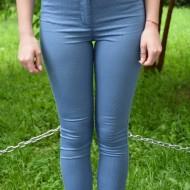 Pantaloni Jenny cu dungi subtiri ,nuanta de albastru