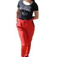 Pantaloni lejeri lungi,model cu strasuri la buzunar,nuanta de rosu