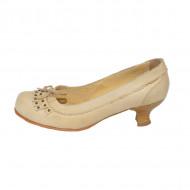 Pantof modern, cu varf rotund si fundita, de culoare bej