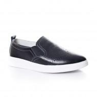 Pantof modern din piele naturala neagra cu design de perforatii